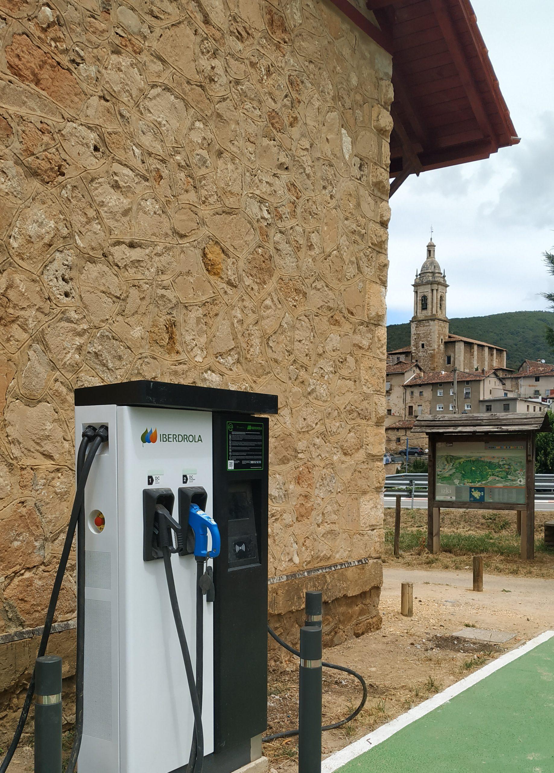 Antoñana estrena punto de carga para vehículos eléctricos