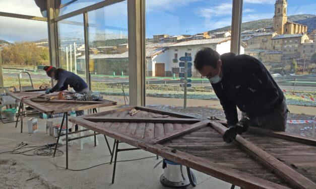 Puertas y herrajes de hace un siglo recobran su esplendor en Antoñana