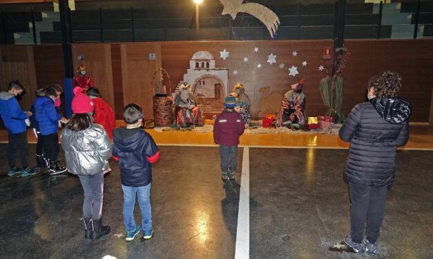 Kanpezu da con la puesta en escena adecuada a la situación para Olentzero y los Reyes Magos