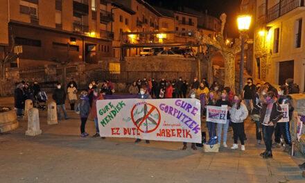 Las dos concentraciones del 8 de Marzo de Mendialdea reúnen a 140 personas
