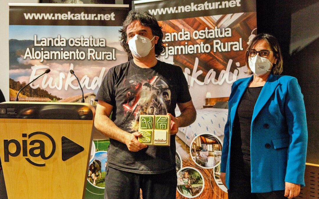 Izarrate Etxea es distinguido con la mención especial de Nekatur a los alojamientos rurales
