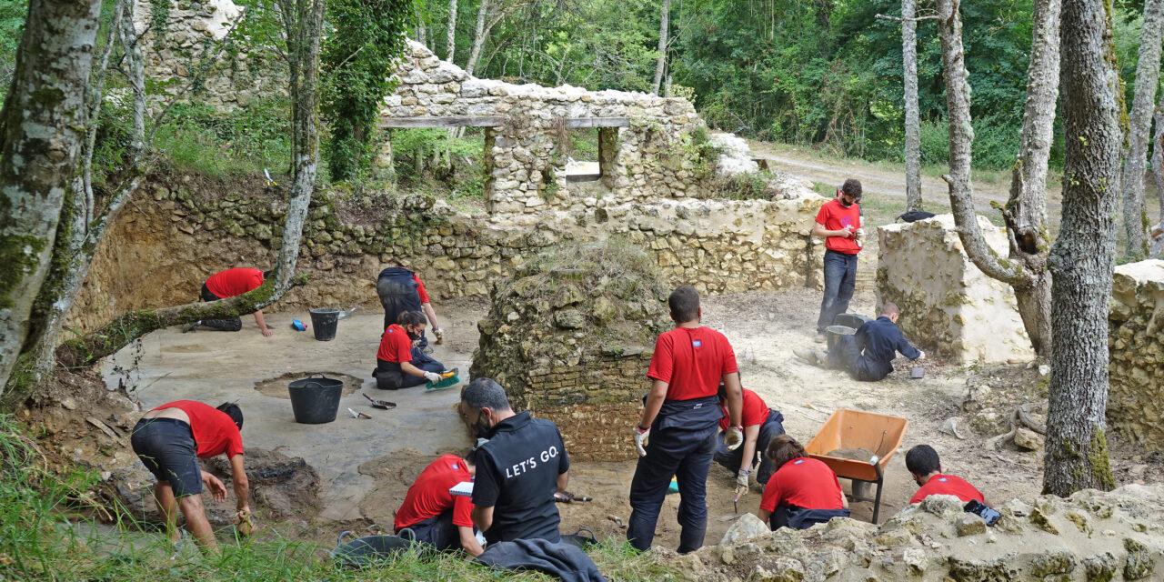 El campo de trabajo de San Ildefonso pone al descubierto evidencias del almacén de asfalto